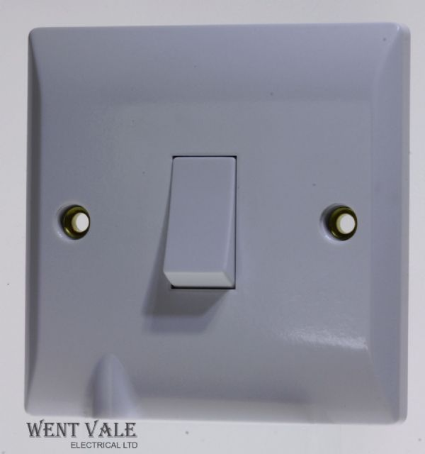 Super Switch - Silk Range - SW18 - 20a Double Pole Switch with Flex Outlet